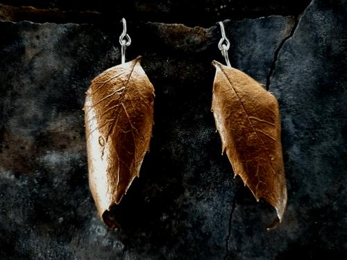 Sassafras leaf articulated stud earrings