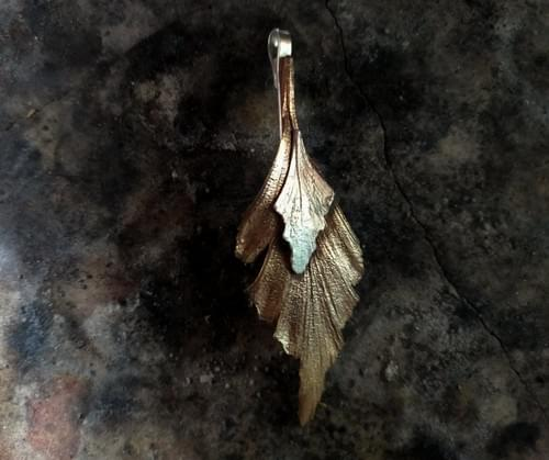 Celery top pine two leaf pendant