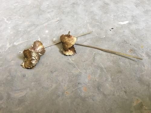 Myrtle leaf thread earrings