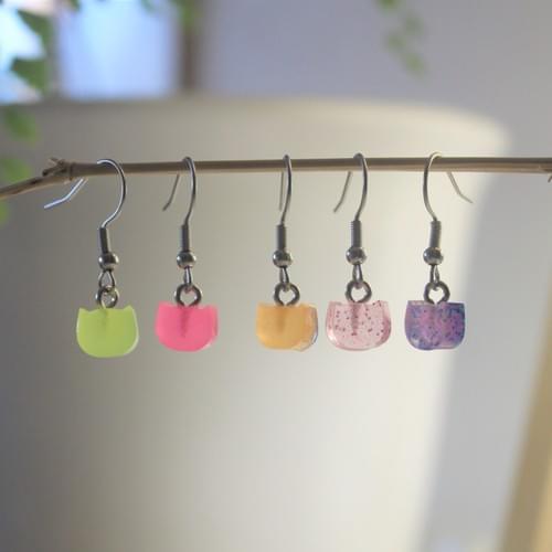 *glow*~*~*kitty epoxy bobble earring
