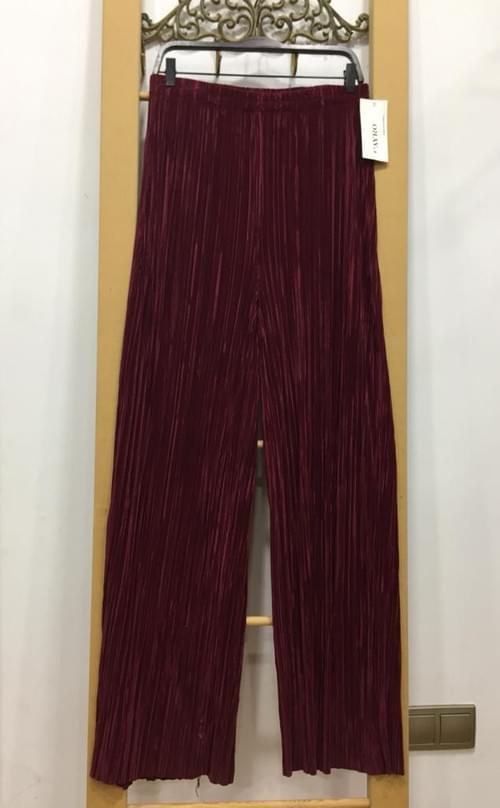Pantalón plisado vino Cayro. T/XL.