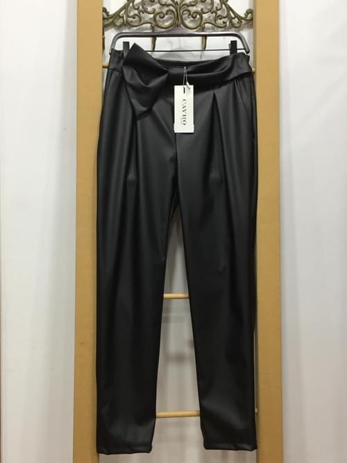 Pantalón polipiel Cayro. T/L.