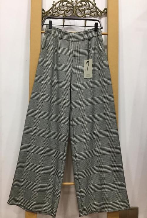 Pantalones campana de cuadros. T/L.