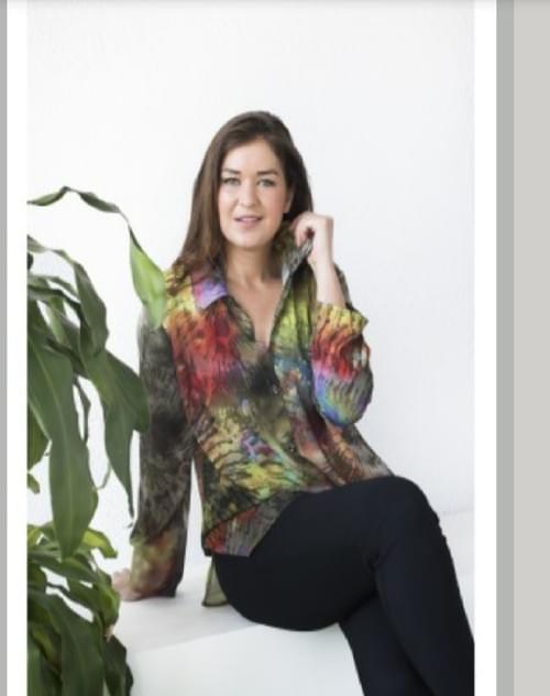 Camisa estampado flores verde. T/G