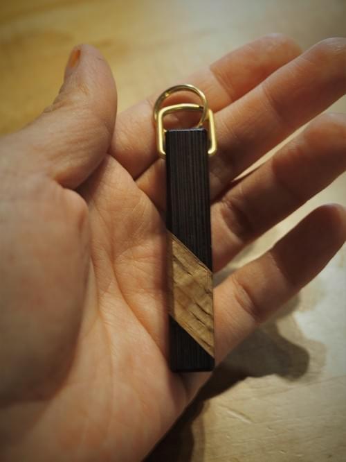 黒檀と楢のキーホルダー