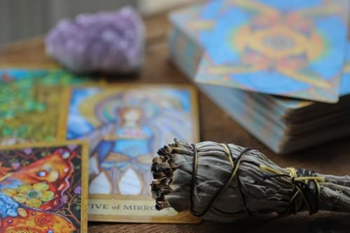 LEARN TAROT (Tarot Deck Included)