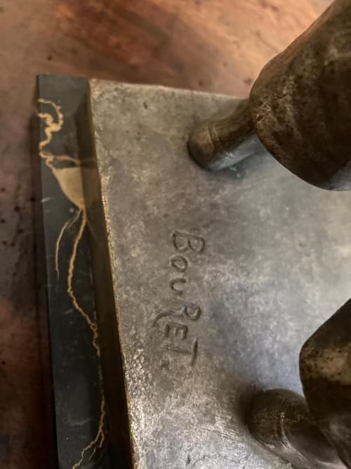 Bronze argenté, signé Bouret