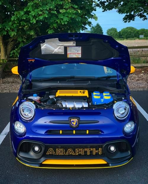 Abarth 500/595/695 Bonnet Strut Kit