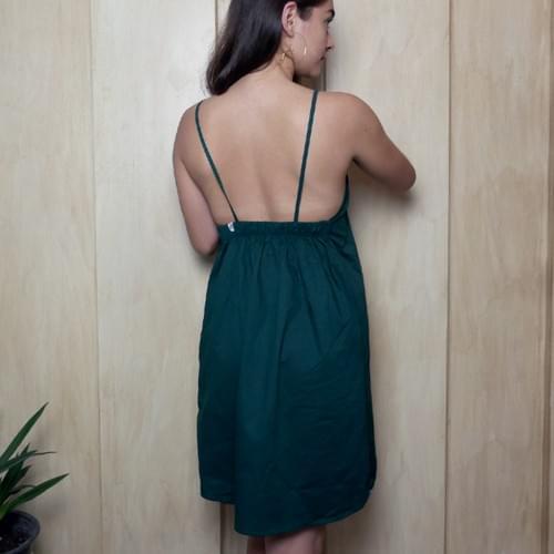 Vestido de tirantes verde esmeralda, de algodon