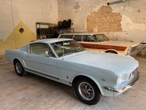 Ford Mustang Fastback GT 66