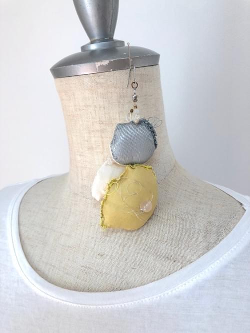 草木染め布 Bubble earring