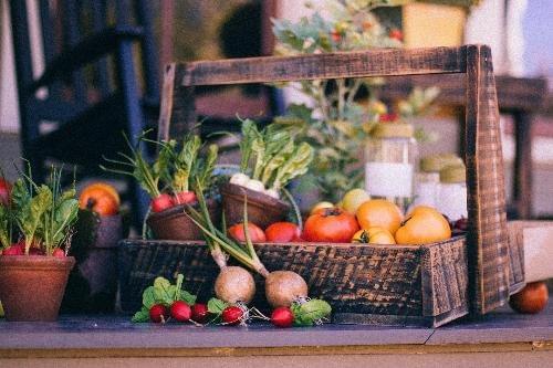 Panier légumes et fruits Petit (3 kg) + 6 oeufs et 1 fromage de chèvre