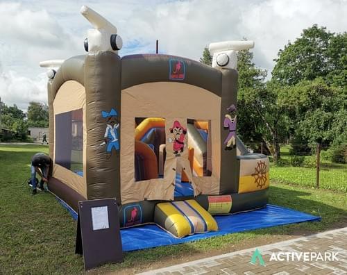 Bērnu piepūšamā atrakcija