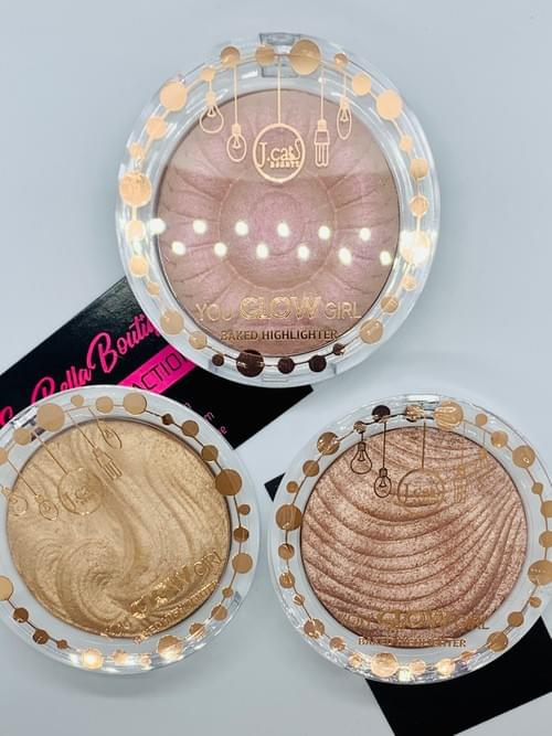 """You Glow Girl"" Baked Illuminating Highlighter"