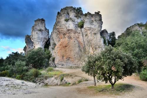Excursion dans l'Hérault : St-Guilhem-le-Désert, Mourèze, Lac du Salagou (34)