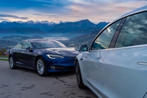 Dienstleistungen Tesla Vermietung Schweiz