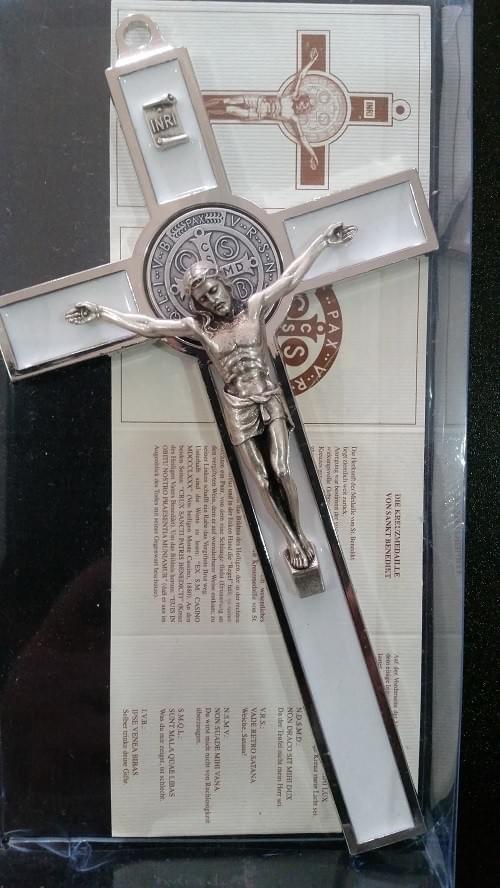 White Saint Benedict Crucifix , 18.5cm ( Italy )