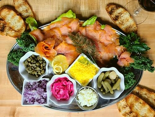 The smoked salmon platter