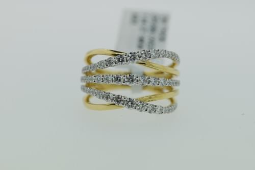 Triple Diamond Crossover Ring