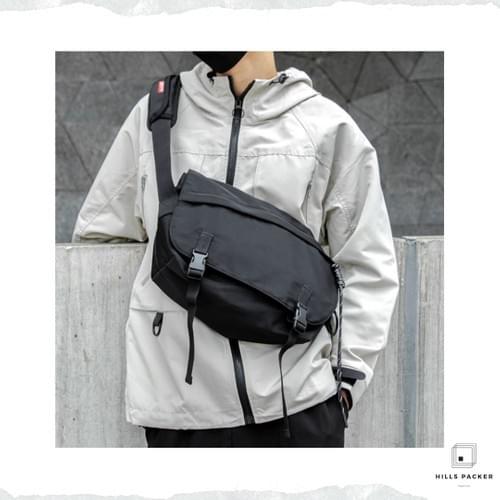 MOYYI waterproof crossbody travel bag
