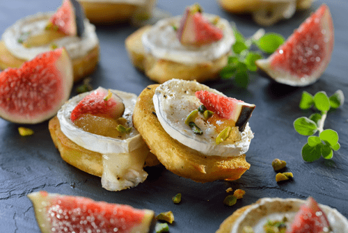Oatcakes with Goat Cheese and Fig (Per 24)