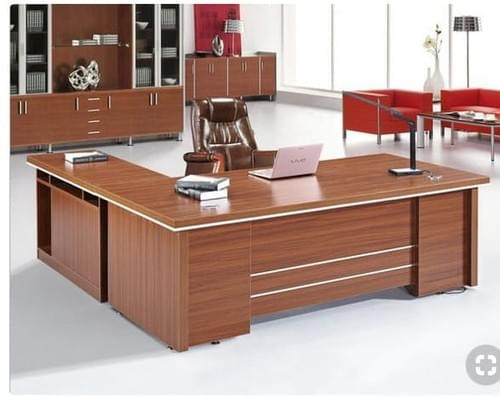 High standard Executive table, with extension