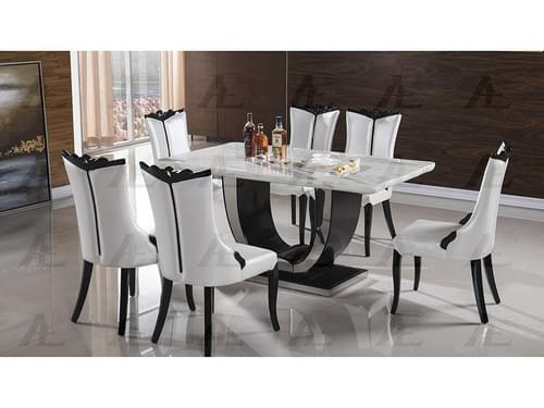 Chesterfield Dining table and 6 luxury chairs