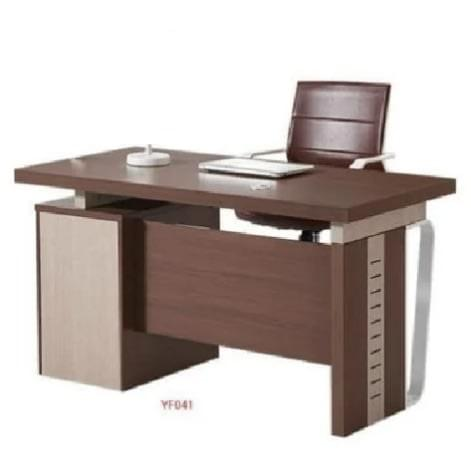Simple Executive Table - 1.4mtrs
