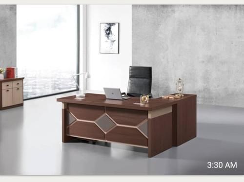 Classy Executive Table - V30