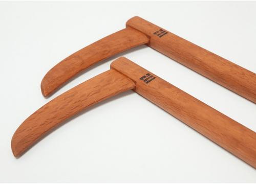 二丁鎌 (木製) (赤樫)