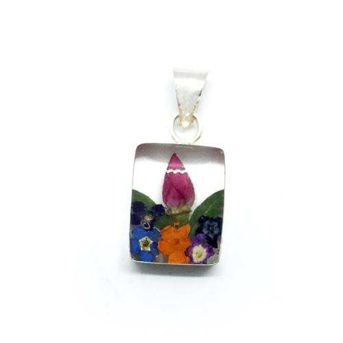 Tarka virágos kicsi négyszögletű medál (Cikkszám: 395/4)
