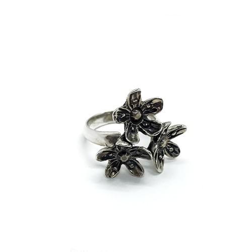 Virágok gyűrű