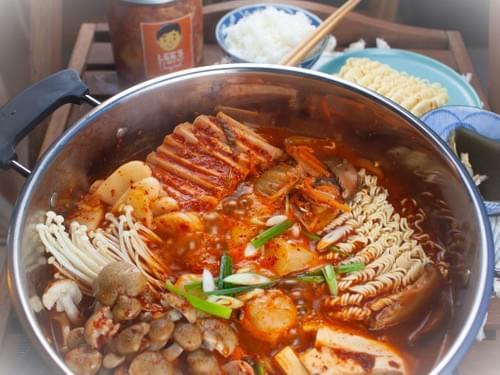 Lee's Kimchi Reunion Stew