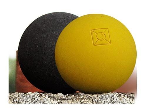 Pelotes de gomme pleines Bista. Fabrication Française