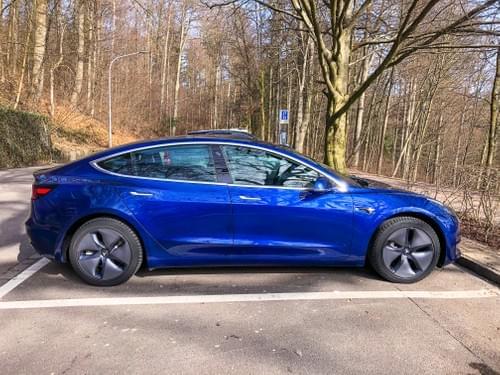 2020 Model 3 Long Range - Blue - disponible à partir du 31 decembre