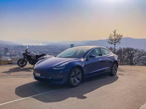 2020 Model 3 Long Range - Blue - disponible à partir du 24 Août