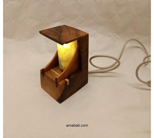 Lampe d'ambiance en noyer et genévrier(avec câble USB)