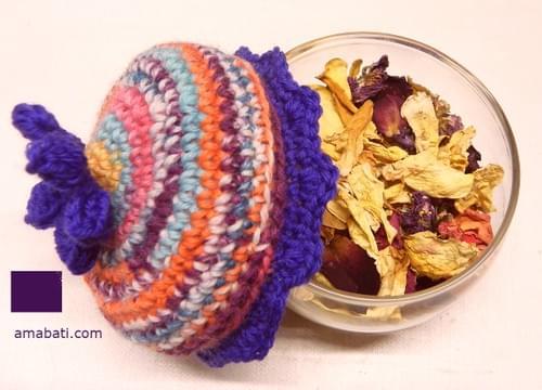 Pot pourri à rose avec son chapeau Bohemian style
