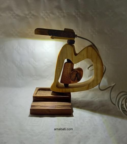 Lampe orientable avec 2 coeurs en bois (câble USB).