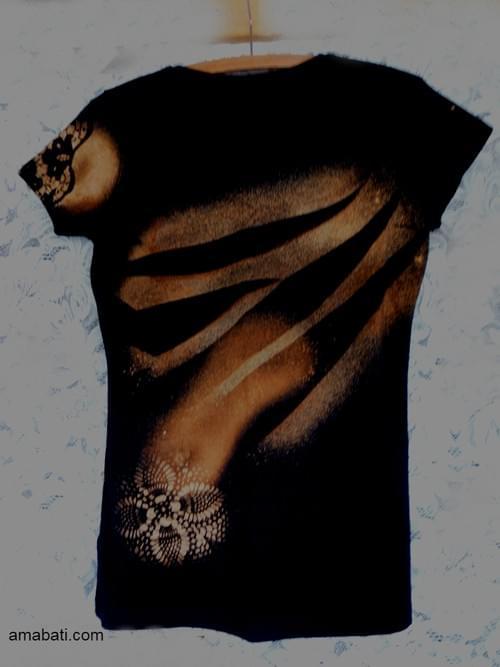 T-shirt aux dessins de dentelles - Taille 40