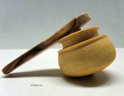 Toupie en buis. Lanceur en olivier