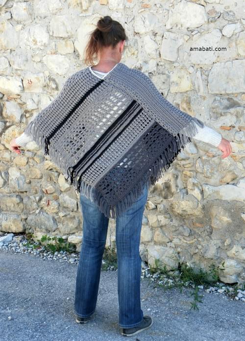 Poncho avec des franges - Mode femme