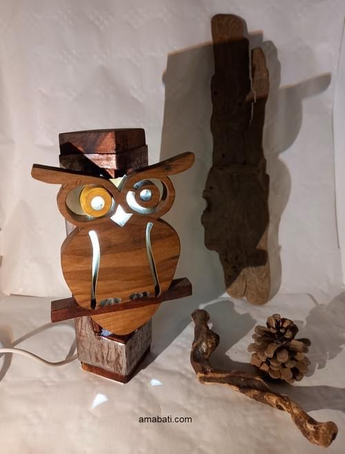 Lampe chouette hibou en bois et métal (avec câble USB) .