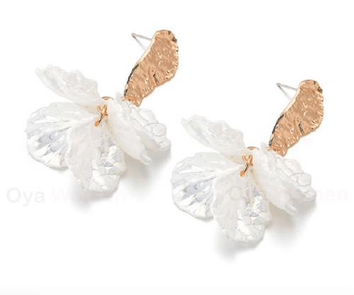 White flower and gold