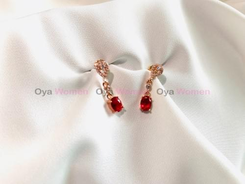Red stone small square eardrop