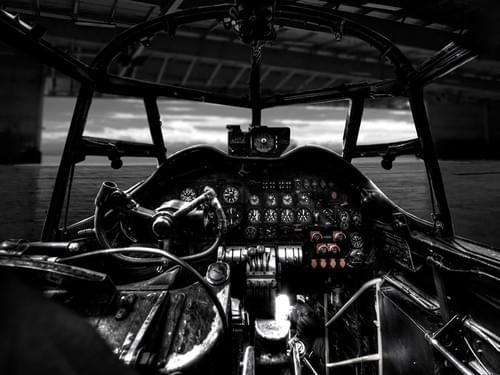 0014 Lancaster bomber cockpit