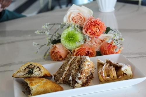 Mother's Day Pastry Box & Bouquets
