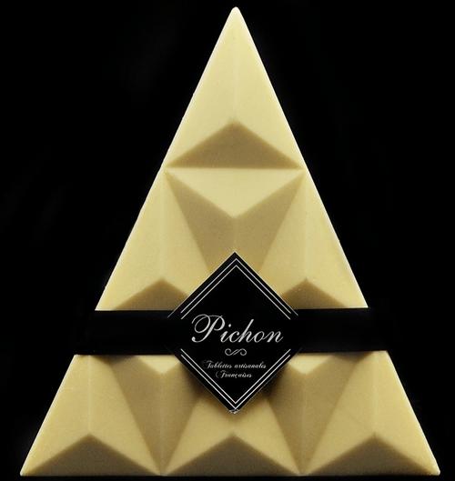 Triangle Chocolat Blanc et éclats de Praline Rose