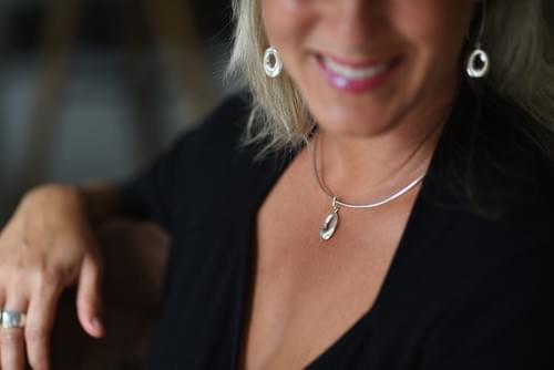 Áthúzós ovális fülbevaló