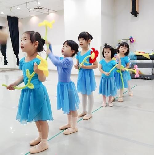 英國皇家芭蕾優惠體驗課(60min) (2.5歲以上)